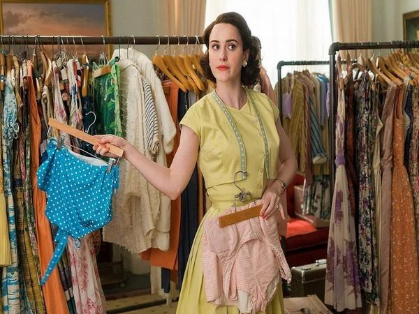 A still from 'The Marvelous Mrs Maisel' featuring Rachel Brosnahan (Image Source: Instagram)