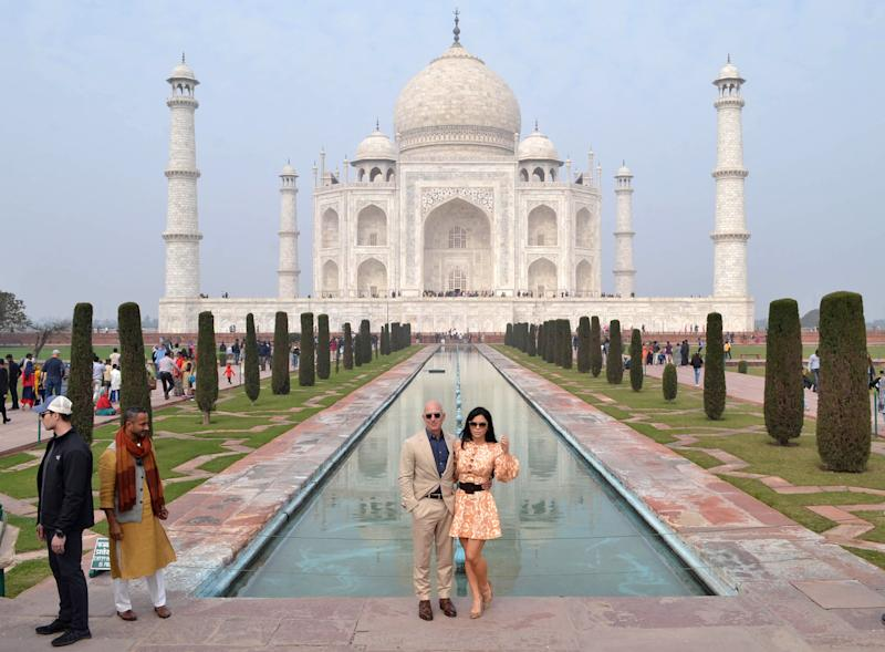Jeff Bezos y su novia, Lauren Sanchez, en Taj Mahal. (Getty Images)