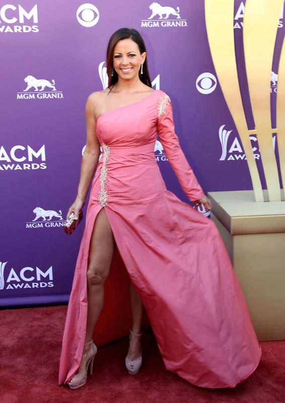 SARA EVANS, Live from the RAM Red Carpet, 47th Annual ACM Awards, Las Vegas, NV