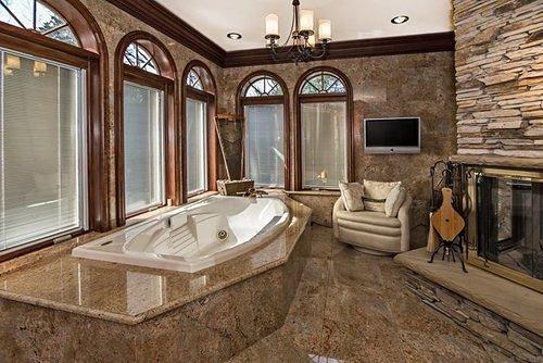 bathroomformasterbedroom1_700.jpg