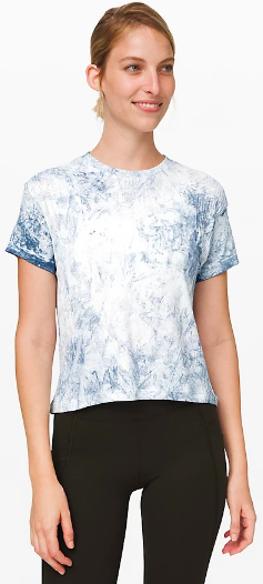 Train to Be Short Sleeve Shibori (Photo via Lululemon)