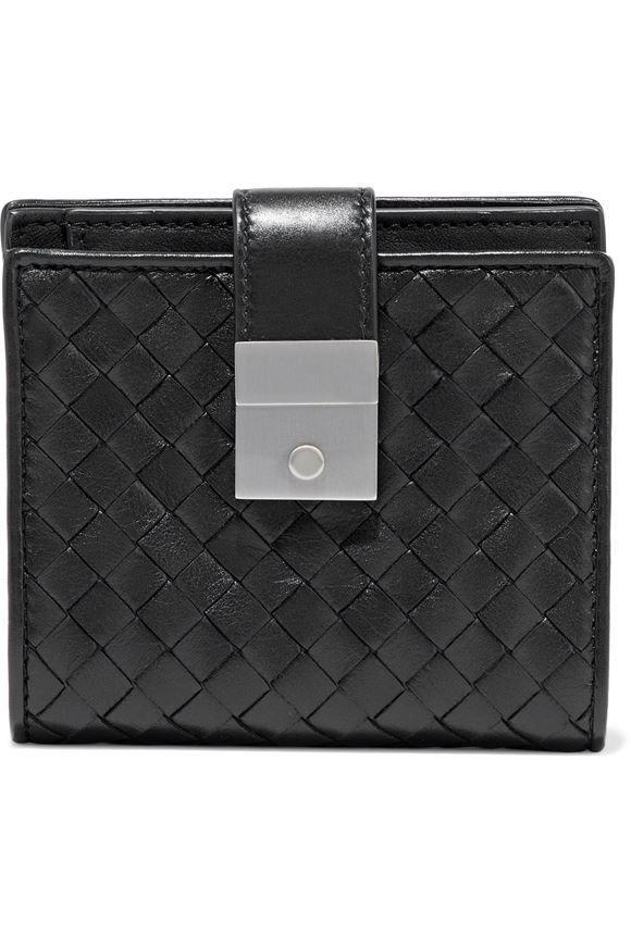 "<p><strong>Bottega Veneta</strong></p><p>theoutnet.com</p><p><strong>$458.00</strong></p><p><a href=""https://go.redirectingat.com?id=74968X1596630&url=https%3A%2F%2Fwww.theoutnet.com%2Fen-us%2Fshop%2Fproduct%2Fbottega-veneta%2Fwallets%2Fwallets%2Fintrecciato-leather-wallet%2F6630340698853439&sref=https%3A%2F%2Fwww.harpersbazaar.com%2Ffashion%2Ftrends%2Fg36202327%2Fmothers-day-gifts-sale%2F"" rel=""nofollow noopener"" target=""_blank"" data-ylk=""slk:Shop Now"" class=""link rapid-noclick-resp"">Shop Now</a></p><p><strong><del>$655</del> $458 (30% off)</strong></p><p> A Bottega Veneta wallet is always a timeless choice. </p>"