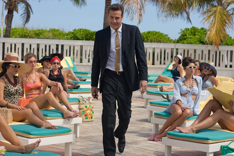 "In this publicity image released by Starz, Jeffrey Dean Morgan portrays hotel magnate Ike Evans in a scene from the Starz original series ""Magic City."" The series captures the fast life of Miami Beach fueled by the Rat Pack, the mob, the CIA and anti-Castro forces coalescing after Fidel Castro's rise to power in Cuba. (AP Photo/Starz)"