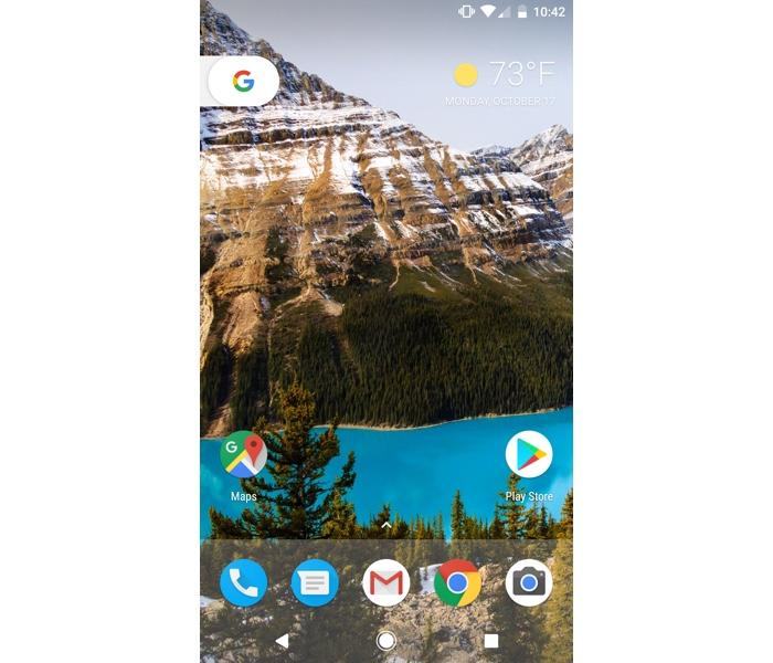Android Nougat home screen.