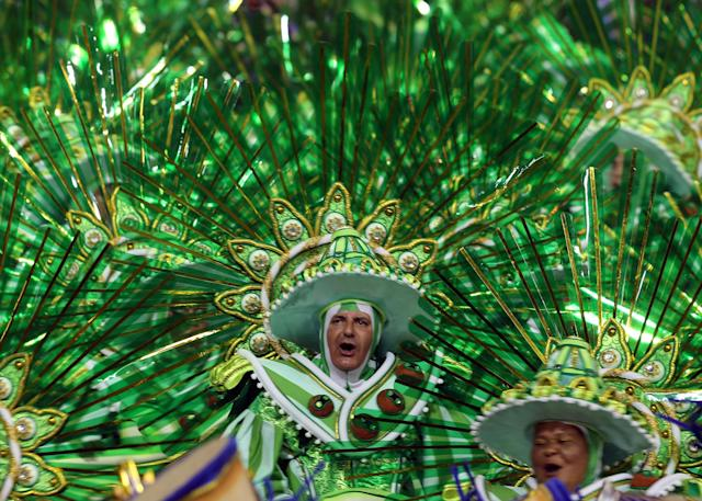 <p>Revellers from the Peruche Samba School take part in a carnival at Anhembi Sambadrome in Sao Paulo, Brazil, Feb. 10, 2018. (Photo: Paulo Whitaker/Reuters) </p>