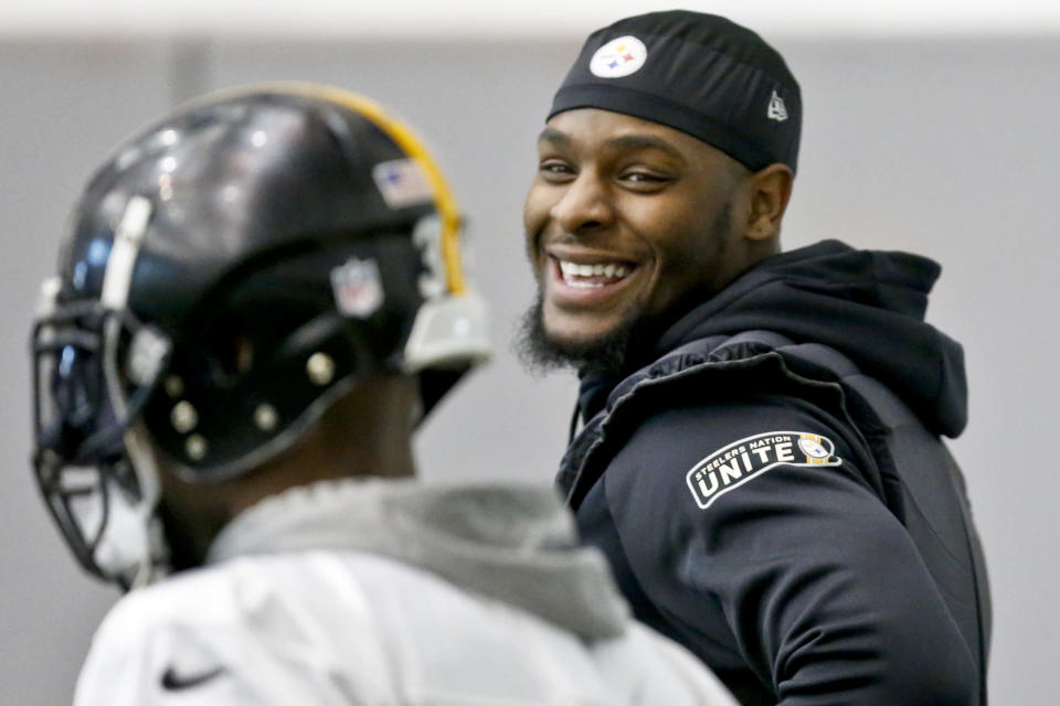 Le'Veon Bell is making a big bet on himself this season with the Steelers. (AP)