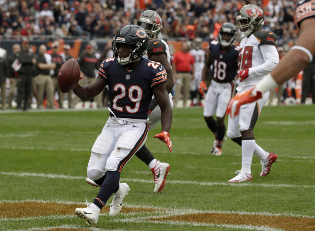 """Running back <a class=""""link rapid-noclick-resp"""" href=""""/nfl/players/30232/"""" data-ylk=""""slk:Tarik Cohen"""">Tarik Cohen</a> (29) is one of the many Bears playmakers who had a big Week 4 for Chicago. (AP)"""