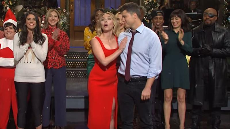 Scarlett Johansson Jokes About Engagement To Colin Jost In Marvel Themed Snl Monologue