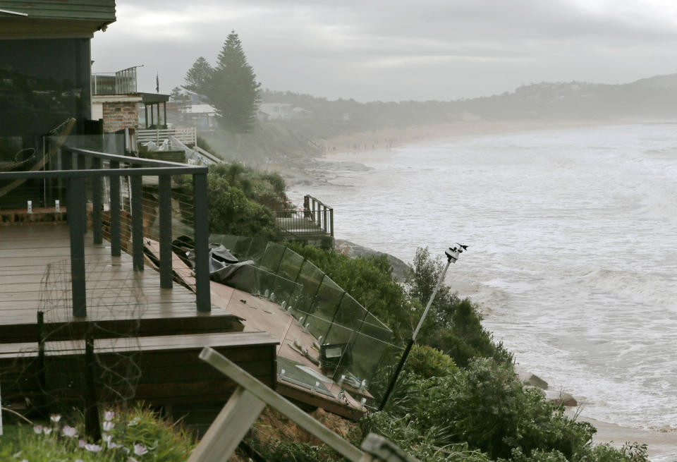 Residents on Ocean View Dr, Wamberal at Terrigal Beach, on the NSW Central Coast have been told to evacuate, after two homes have already partially fallen into the ocean. Source: AAP