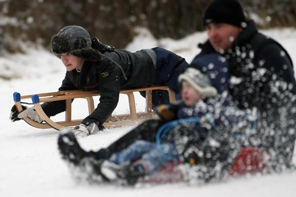Sledging injuries mount as Britons brave the snow
