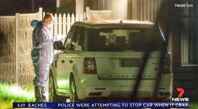 Detectives at the home on the NSW/Victoria border. Source: 7News/ Herald Sun