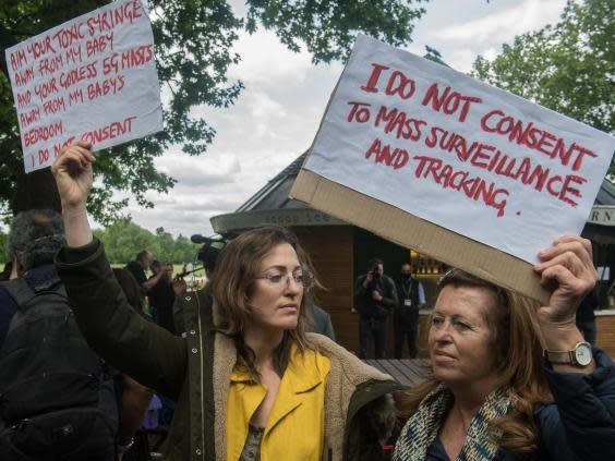 Conspiracy theorists at Hyde Park Corner on 16 May 2020 in London (Getty)