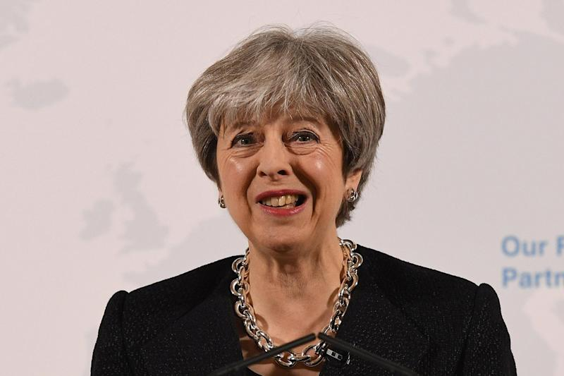 Theresa May laviert weiter