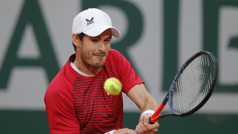 Misery for Andy Murray as Stan Wawrinka catches him cold in the French Open
