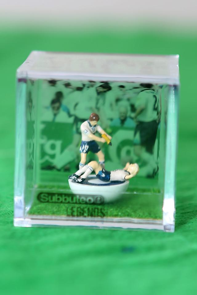 <p>Anche Paul Gascoigne è stato riprodotto in tema Subbuteo (James Ward/Caters News) </p>