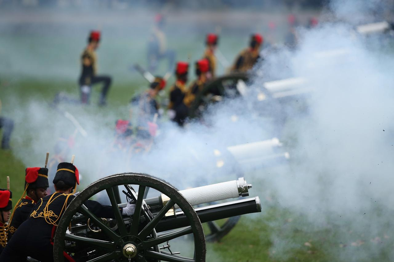 LONDON, ENGLAND - FEBRUARY 06:  The King's Troop, Royal Horse Artillery fire a 41-gun salute in Green Park on February 6, 2013 in London, England. The salute was to mark the 61st anniversary of the Queen's accession to the throne.  (Photo by Dan Kitwood/Getty Images)