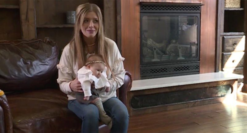 Shannon Bird from Utah thanks police officers for bringing her infant formula when she was home alone with five children and ran out of breastmilk at 2am