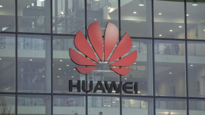 Huawei to hit UK high street with plan to open three stores