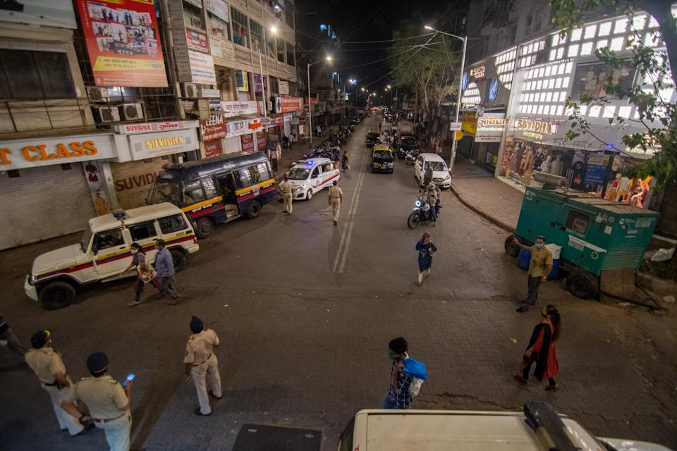 MUMBAI, INDIA - MARCH 29: A view of Dadar Station during night curfew at Bandra on March 29, 2021 in Mumbai, India. As Maharashtra continues to see an upsurge in new infections, the state government has declared that night curfew will be in place from 8 pm to 7 am until April 15. Mumbai streets went eerily silent with cops patrolling and ready to nab those flouting the curfew. (Photo by Pratik Chorge/Hindustan Times via Getty Images)
