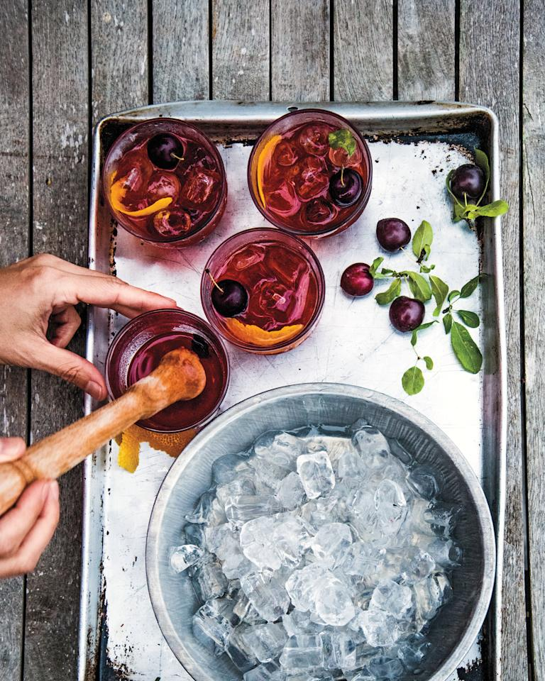 "<p>If you're ordering at the bar, the team at the Emily Post Institute suggests leaving a $1 to $2 tip for <a href=""https://www.marthastewart.com/274340/vodka-cocktails"">each and every drink</a>. If you're running a tab, then leave your bartender a tip of 10 to 15 percent of the total bill when you close out.</p>"