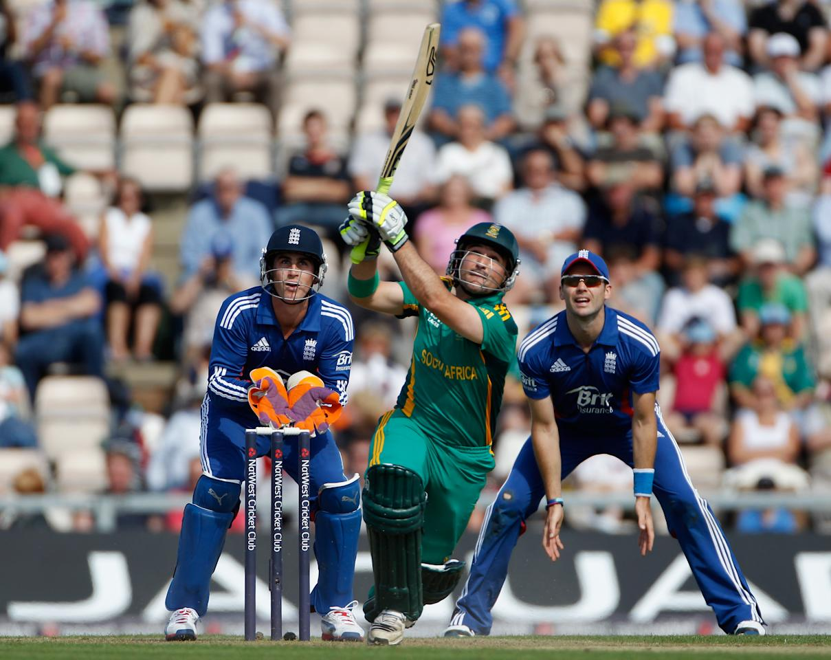 SOUTHAMPTON, ENGLAND - AUGUST 28:  Dean Elgar of South Africa hits out during the 2nd NatWest Series ODI between England and South Africa at Ageas Bowl on August 28, 2012 in Southampton, England.  (Photo by Tom Shaw/Getty Images)