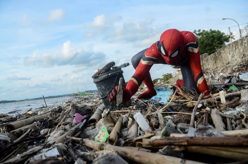 Have no fear, Indonesia's Spider-Man will clean up your trash