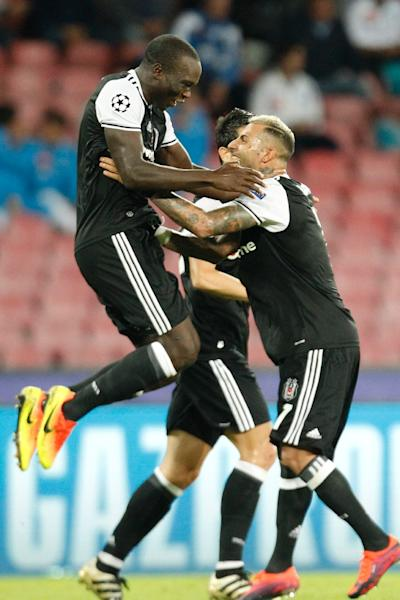 Besiktas' Vincent Aboubakar (L) celebrates with teammate Ricardo Quaresma after scoring a goal during their UEFA Champions League Geoup B match against Napoli, in Naples, on October 19, 2016 (AFP Photo/Carlo Hermann)