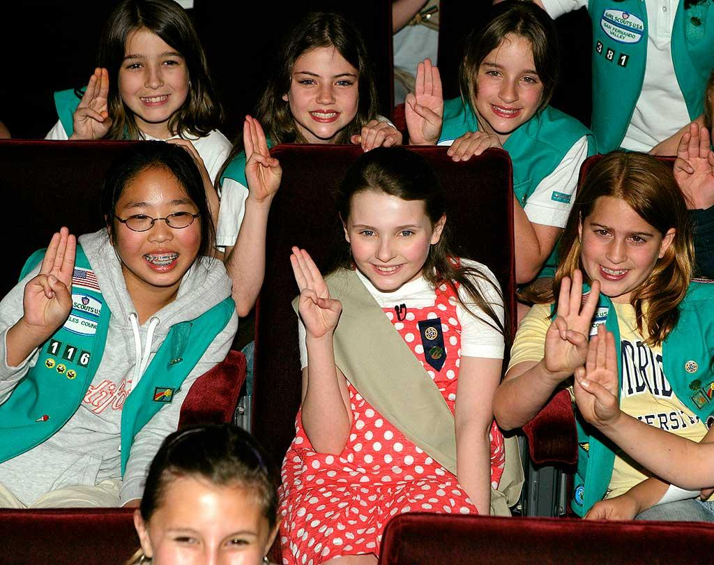 """Abigail and her peers flash the traditional three-finger salute. Todd Williamson/<a href=""""http://www.wireimage.com"""" target=""""new"""">WireImage.com</a> - March 26, 2008"""
