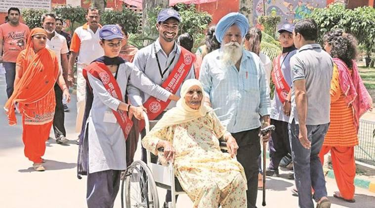 Chandigarh: NSS volunteers lend helping hand, win hearts of voters