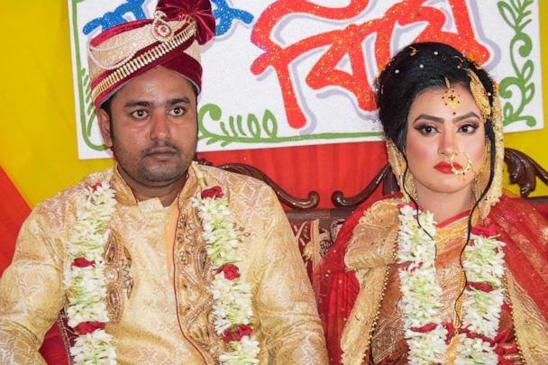 PHOTO: Groom Tariqul Islam and bride Khadiza Akter Khushi pose for a photo during their wedding in Meherpur, Sept. 21, 2019. (Handout/AFP/Getty Images)