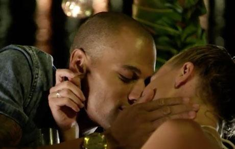 Grant locked lips with Leah last night, so she'll surely be upset by his new romance with Ali. Source: Channel Ten