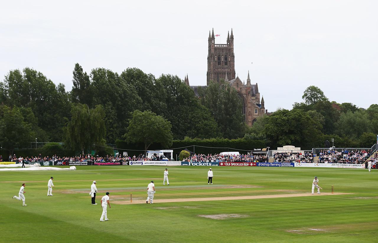 WORCESTER, ENGLAND - JULY 02: A general view of play during day one of the Tour Match between Worcestershire and Australia at New Road on July 2, 2013 in Worcester, England.  (Photo by Ryan Pierse/Getty Images)