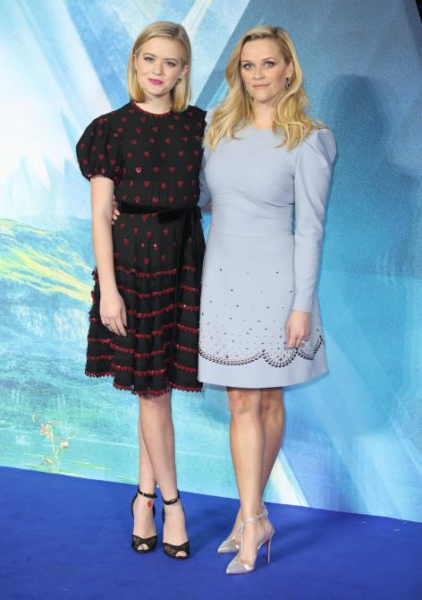 Ava Phillippe and Reese Witherspoon