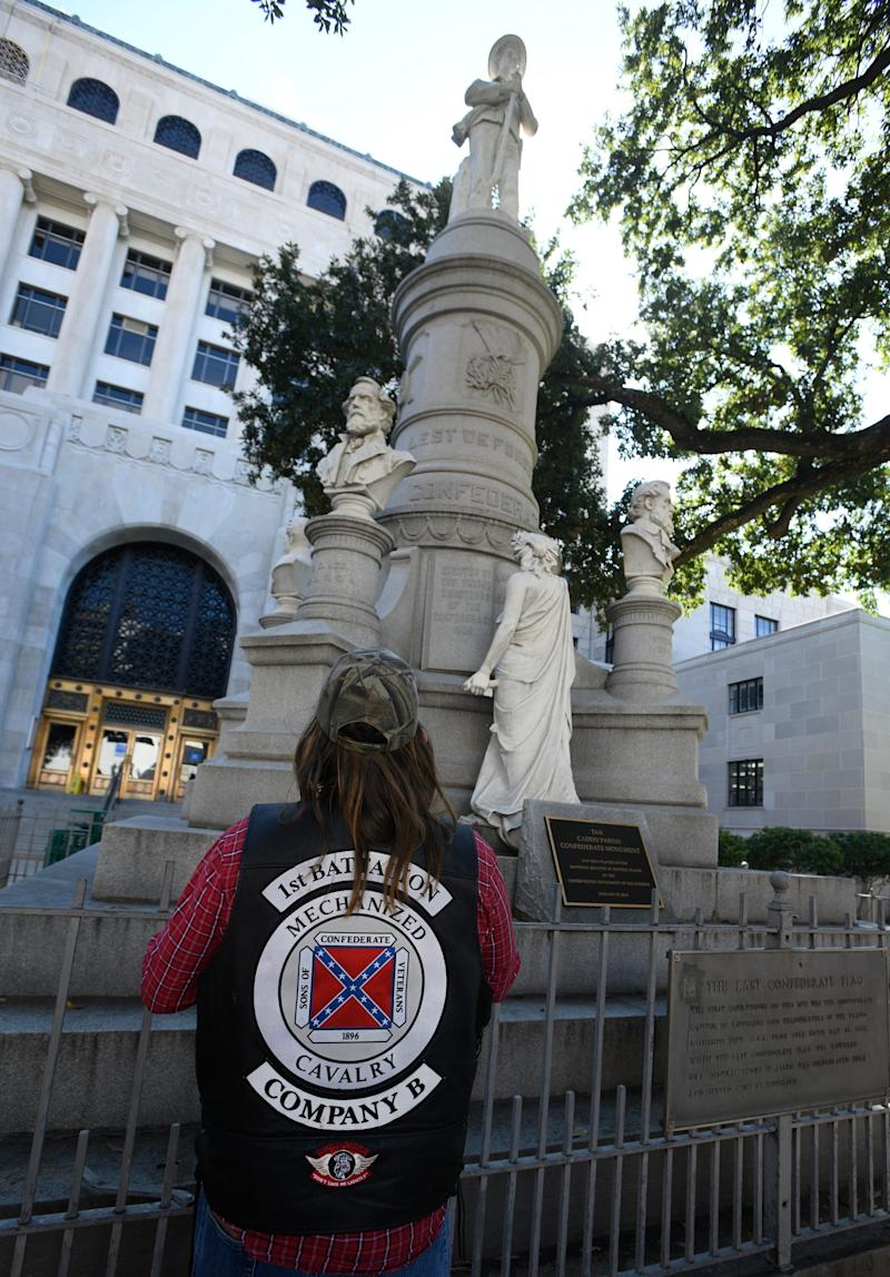 Confederate monument supporters rally at the Caddo Parish Courthouse in November.