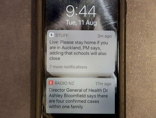 PHOTO: A news alert is displayed on a mobile phone in Christchurch, New Zealand, on Aug. 11, 2020. (Mark Baker/AP)