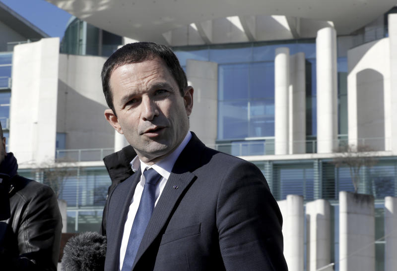 Majority of French want Socialist Hamon to bow out of election race
