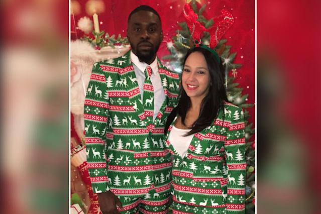 Two strangers find their match (at least for one photo op) at a holiday party. (Photo: Twitter/@RickyDaPrince1)