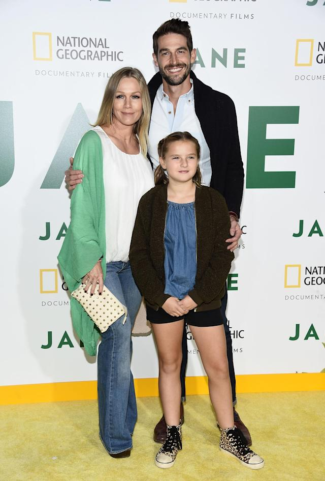 Jennie Garth, Dave Abrams, and Fiona Facinelli arrive at the premiere of National Geographic Documentary Films' <em>Jane</em> at the Hollywood Bowl on Oct. 9, 2017. (Photo: Amanda Edwards/WireImage)