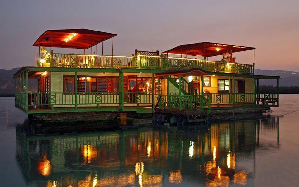 houseboat grill