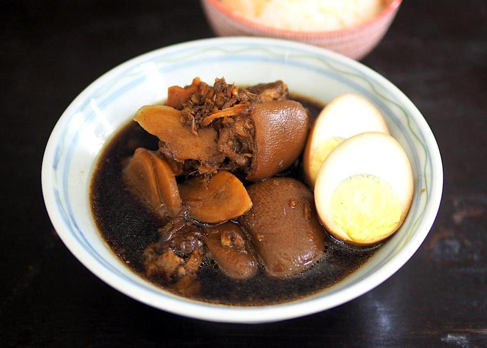 Based in Bangsar, they serve weekday home-cooked lunches that have a comforting vibe like their vinegar pork trotter.