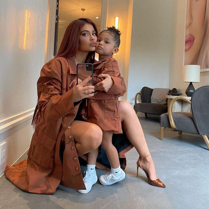 Kylie and stormi twinning