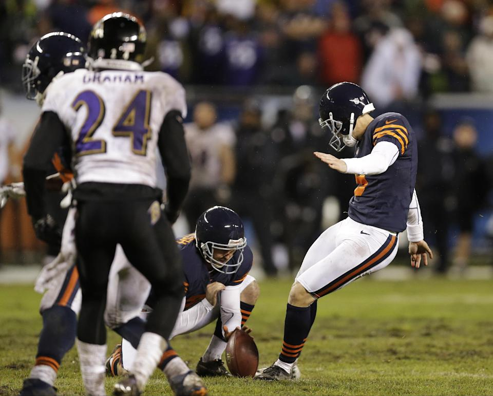 Chicago Bears kicker Robbie Gould (9) kicks the game-winning field goal in the overtime to beat the Baltimore Ravens 23-20 in an NFL football game , Sunday, Nov. 17, 2013, in Chicago.(AP Photo/Nam Y. Huh)