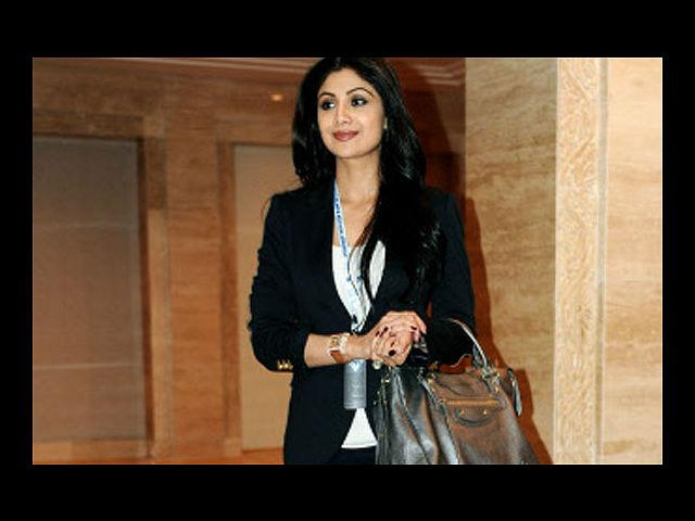 <b>6. Shilpa Shetty</b><br>Shilpa Shetty personifies the story of the ugly duckling turning into a swan. It's hard to forget her horrendous look and lack of dressing sense in Baazigar; but thankfully, this woman's evolution in terms of her looks and style, ensure she's on this list. Of course, she may have had some help from the cosmetic surgeons, but you've got to give it to this woman for her elegant sense of style.