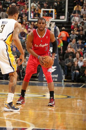 INDIANAPOLIS, IN - FEBRUARY 28: Chris Paul #3 of the Los Angeles Clippers looks to pass the ball downlow against the Indiana Pacers on February 28, 2013 at Bankers Life Fieldhouse in Indianapolis, Indiana. (Photo by Ron Hoskins/NBAE via Getty Images)