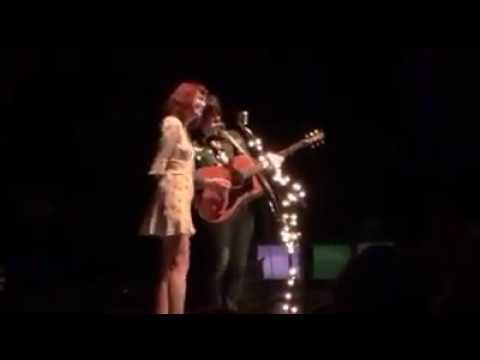 Ryan Adams Duets With Karen Elson, Covers Oasis at Exquisite L.A. Show