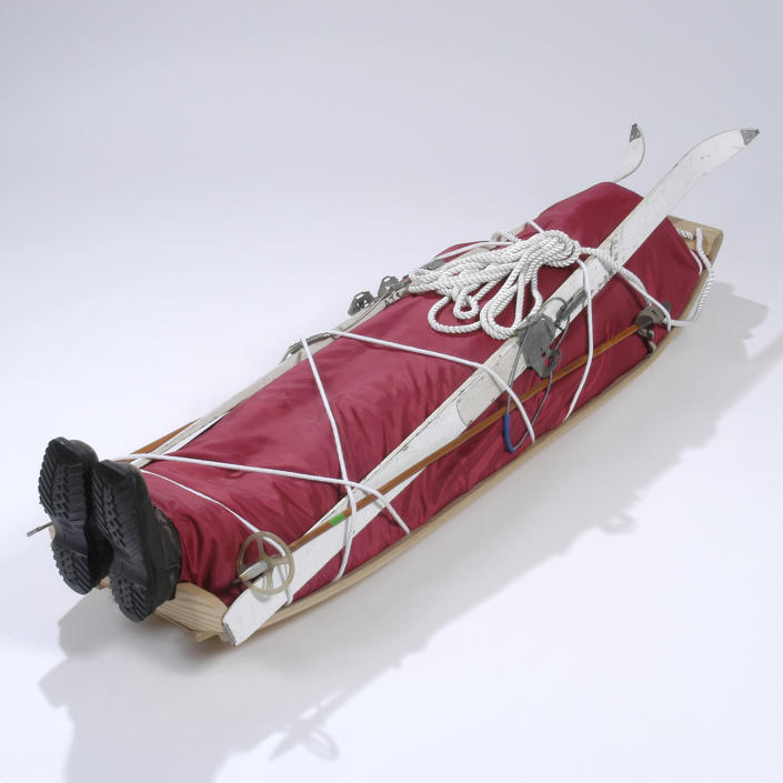 A coffin made to look like a skiing accident. (Photo: Caters News)