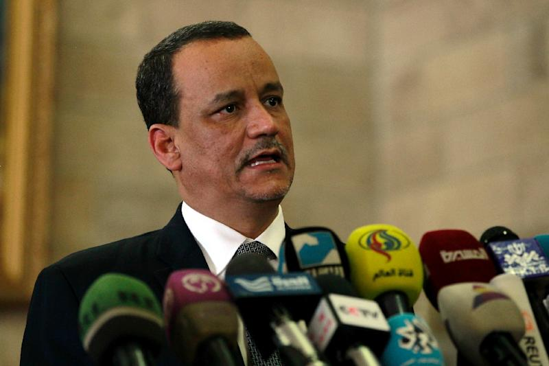 The United Nations Special Envoy to Yemen Ismail Ould Cheikh Ahmed (C) during a press conference at Sanaa international airport on January 14, 2016