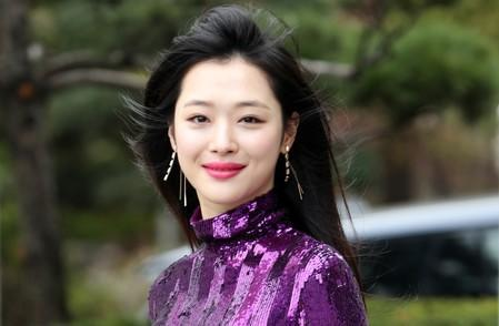 Member of the South Korean girl group f(x) Choi Jin-ri, also known by her stage name Sulli, is seen