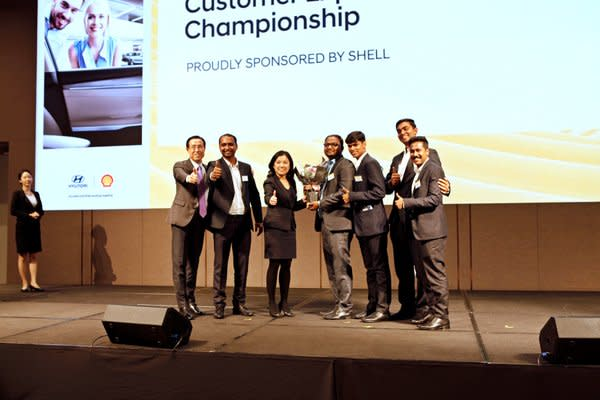 Winners of Shell Awards pose for a commemorative photograph at