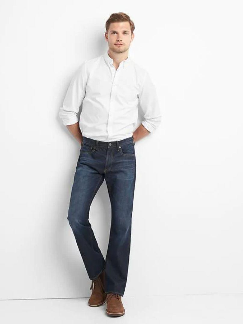 """If you're not feeling skinny jeans anymore, these bootcut ones might be another option to add to your closet. With over 200 reviews and a 4.2-star rating, they are definitely a good option. <a href=""""https://fave.co/2tRmMCH"""" target=""""_blank"""" rel=""""noopener noreferrer""""><strong>Find this pair at Gap</strong></a>."""